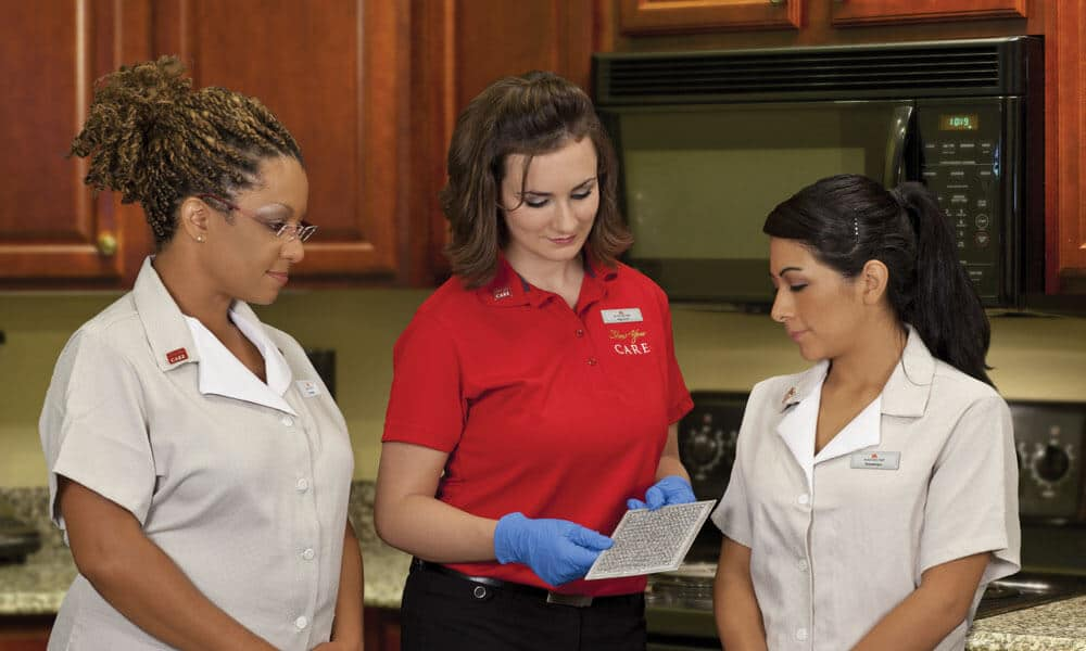 Supervisor Excellence: Housekeepers and supervisor in a kitchen. News | MasterCorp